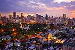 Capodanno Bangkok, Fiume Kwai, Esperienza con gli elefanti e Koh Samet