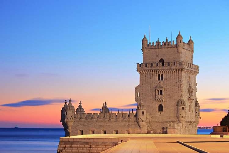 Ponte Ognissanti a Lisbona 4 giorni 3 notti volo compreso euro  920,00