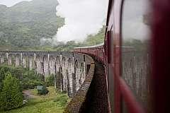 Viaggio tra Paesaggi Scozzesi con auto a noleggio e treno Jacobite