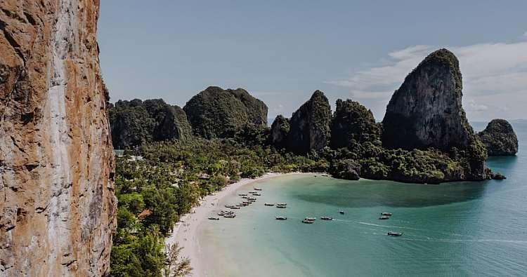 La Thailandia a bordo di un catamarano: a partire da 720 euro