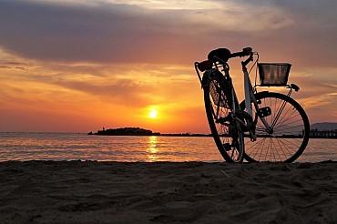 Isole Egadi in Sicilia: Favignana un'isola in bicicletta solo colazione
