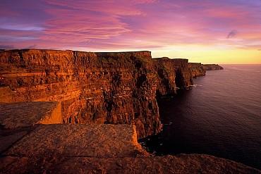 Tour classico dell'Irlanda con auto a noleggio (fly & drive) solo colazione