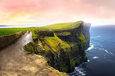 Tour dell'Irlanda del Nord e Donegal con auto a noleggio (fly & drive) solo colazione