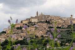 Il borgo di Trevi... la terra dell'olio umbro e del Sagrantino!