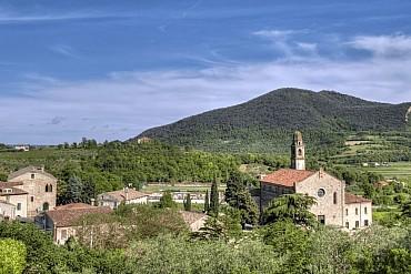 La poesia dei Colli Euganei nel piccolo borgo di Arquà Petrarca! solo colazione