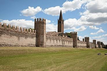 La cerchia murata a Montagnana, una delle vere glorie d'Italia da € 39