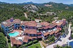 Sardegna Baja Sardinia in mezza pensione nell'hotel Li Graniti da 519€