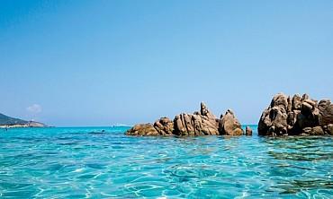 Pula Sardegna Sud: Resort Rocca Dorada 4* sul mare da 429 € pensione completa