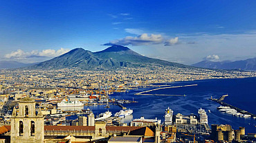 Tour classico di Napoli, la metropoli dai mille colori e tradizioni solo colazione