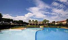 Calabria - Botricello Villaggio con piscina sul mare calabro