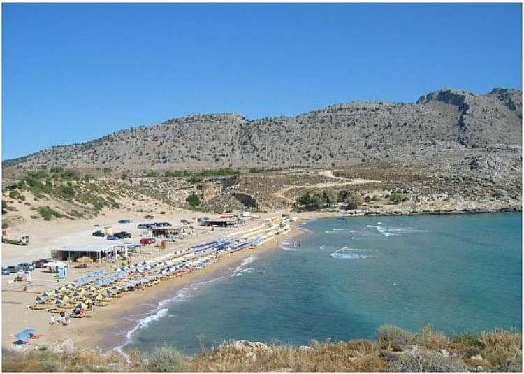 Estate a Rodi in residence con piscina per vivere l'isola in libertà.