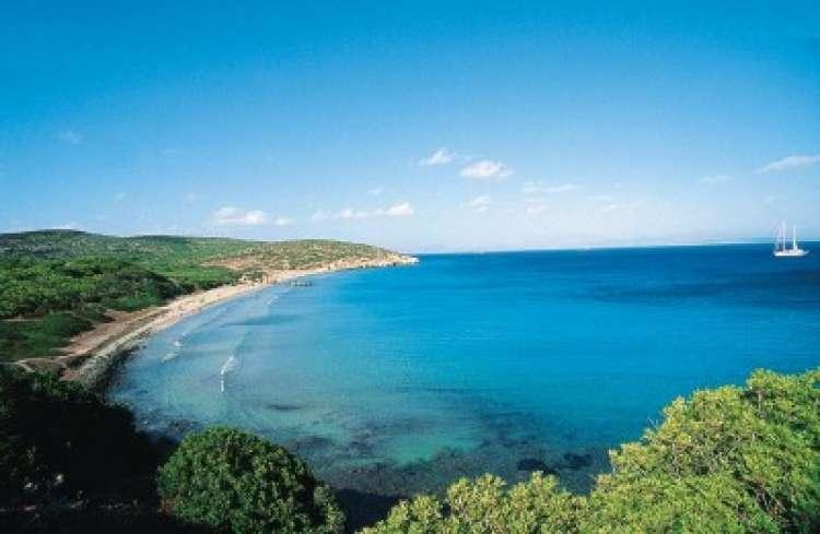 Giugno in Sardegna – Resort 4 stelle in offerta con bimbi e nave...