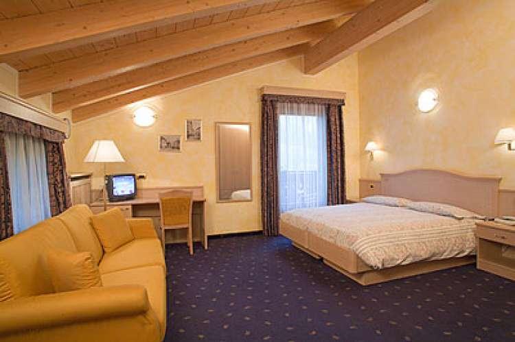 Livigno - Soggiorno 7 notti in hotel 3 stelle + skipass 6 giorni...